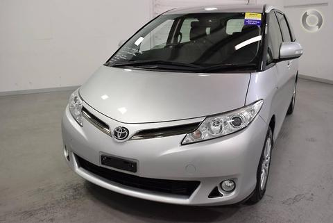 Toyota Tarago 2011