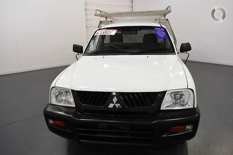 Mitsubishi Triton 2004