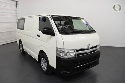 Toyota Hiace 2011