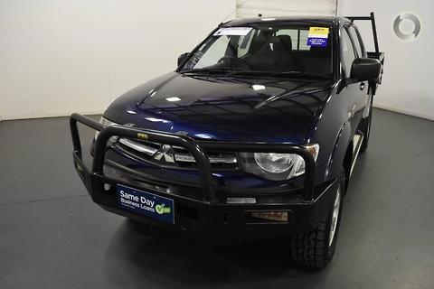 Mitsubishi Triton 2011