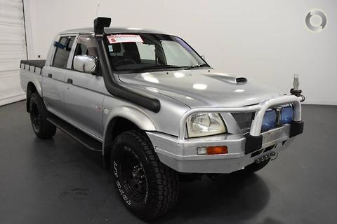 Mitsubishi Triton 2005