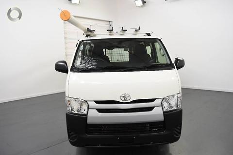 Toyota Hiace 2015