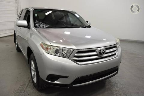 Toyota Kluger 2011